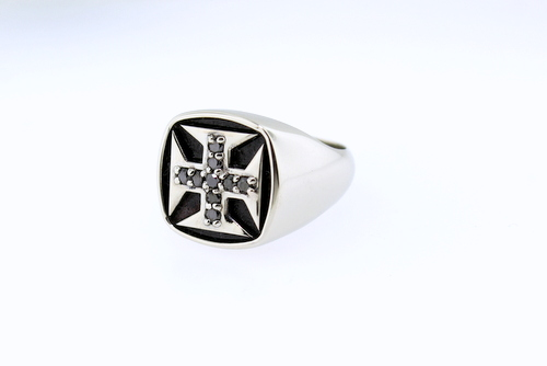 Portuguese cross gents' ring  - 10K white gold with black diamonds. 16 grams.