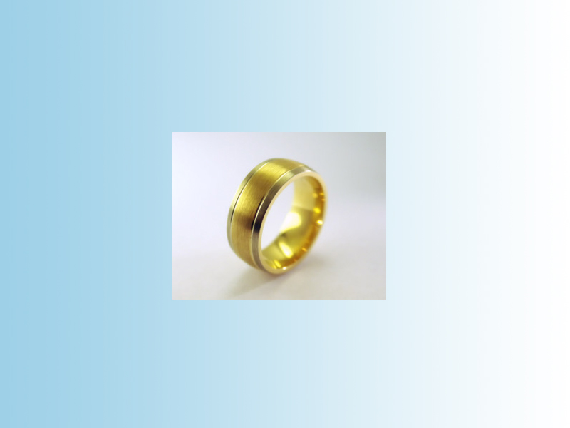 Brushed domed band GWB017 - Half round band with yellow gold centre and white outer bands. Brushed with fine polished dividing grooves for contrast. 10K.