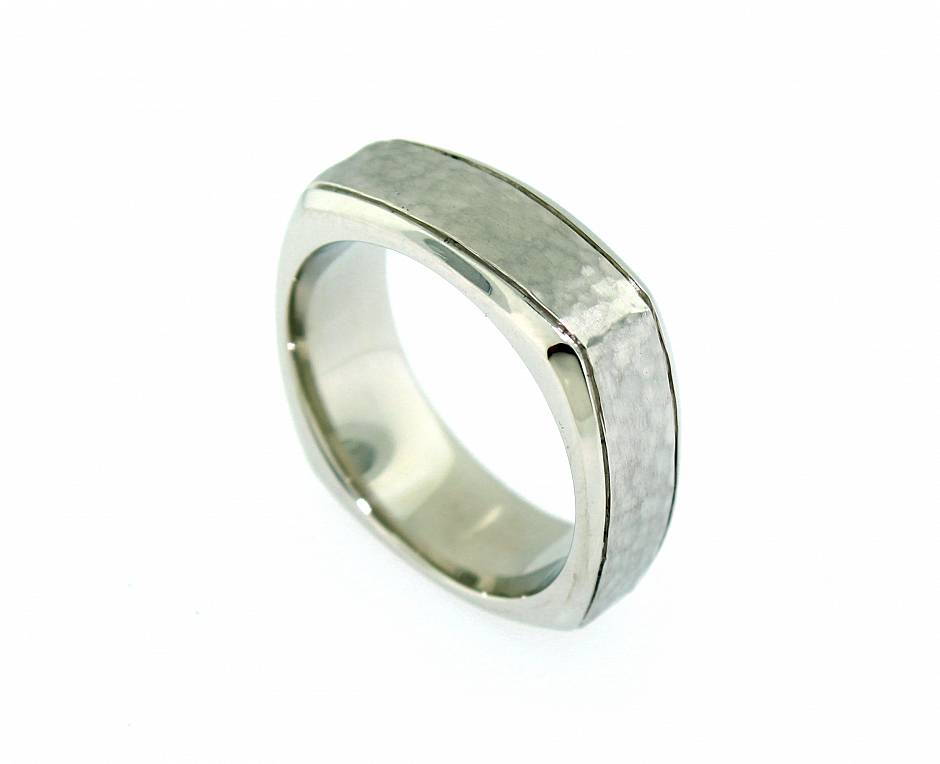 Square Shank Hammered Band - Polished bevelled side with a hammered and matte centre section. Comfort fit as per standard PBR manufacturing protocol.