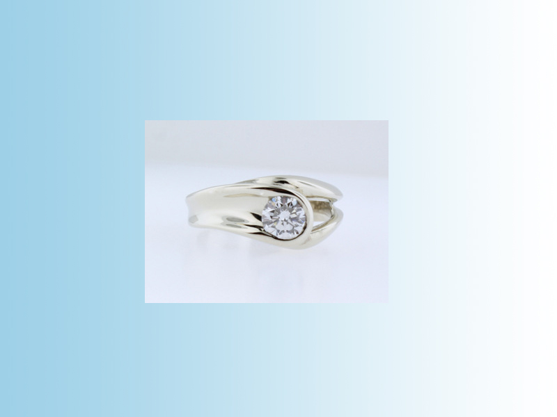 Freeform engagement ring - 19K white gold freeform mount set with a round brilliant cut diamond